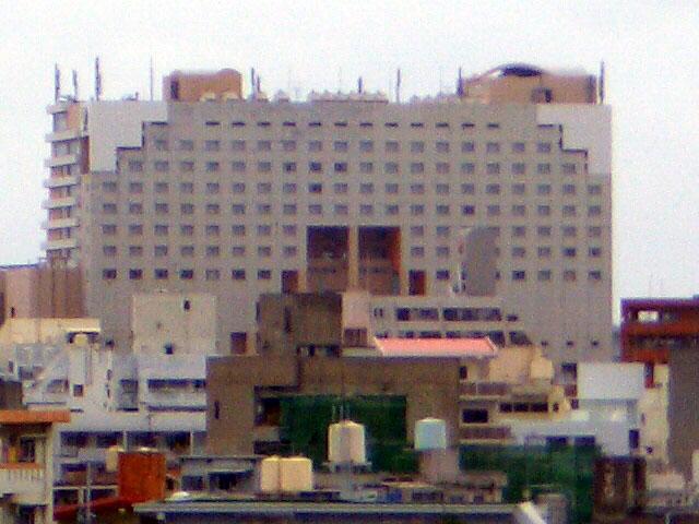泊埠頭ターミナルビル